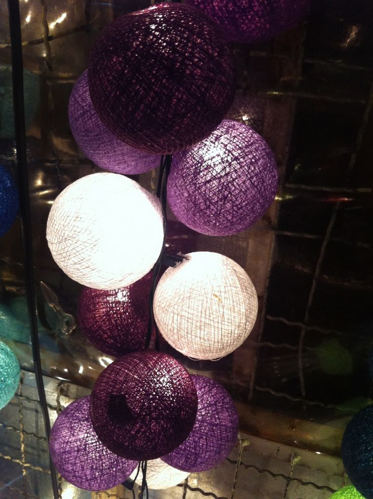 Violet, purple, Wedding, mariage, ceremony, reception, flowers, decoration, love, bride and groom, lampion