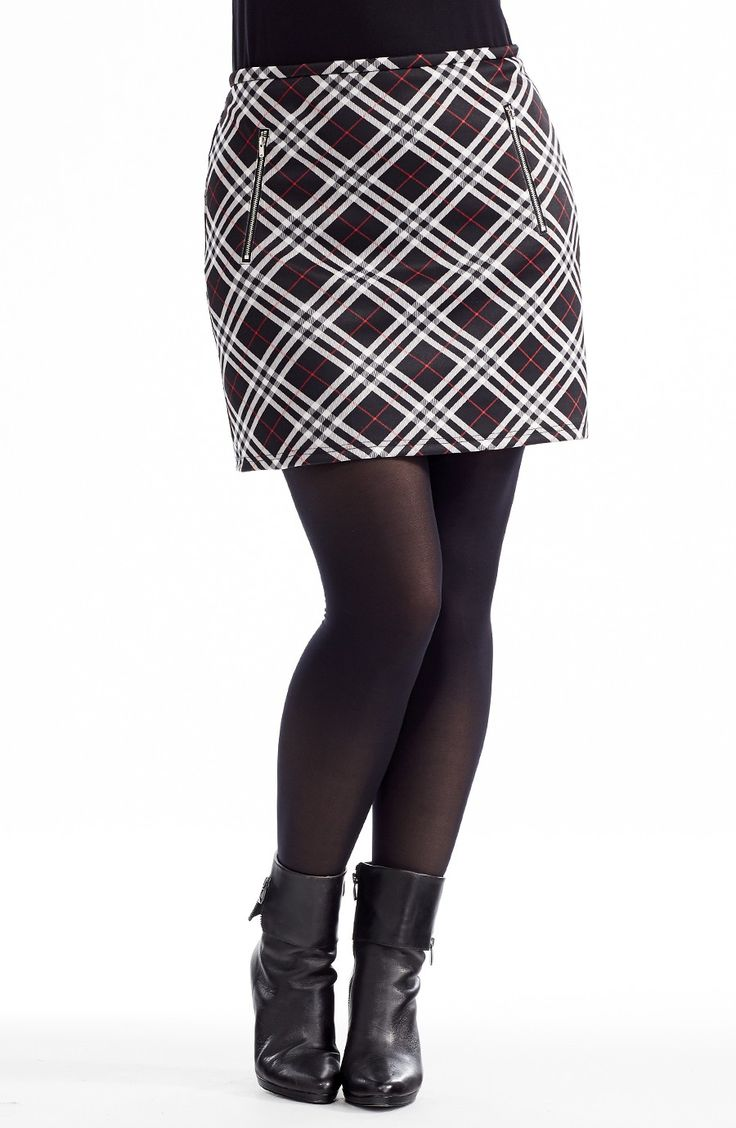 Tartan Mini Skirt | Style No: SK8071 Stretch tartan Ponti fabric skirt. This cool skirt is fully lined in a stretch fabric and features two diagonal zip details on the front. #plussize #dreamdiva #dreamdivafiles