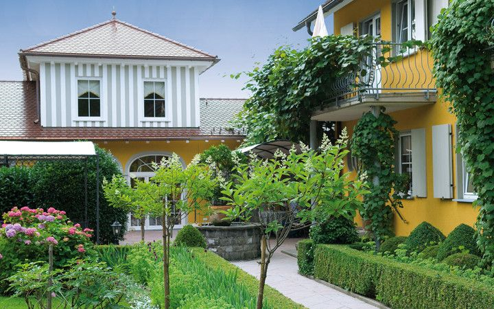 Villino. Restaurant of a Grand Chef Relais & Châteaux and hotel in the country. Lindau, Germany.
