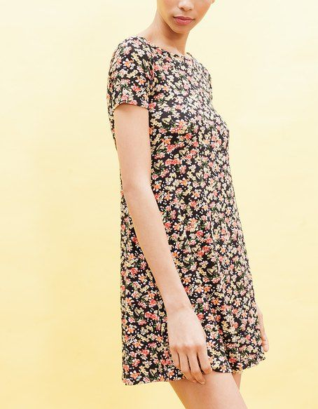 VESTIDOS for woman at Stradivarius online. Visit now and discover the VESTIDOS we have for you   Free returns.
