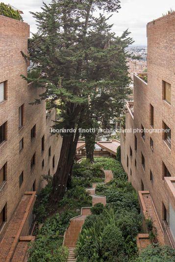edificio alto de los pinos rogelio salmona by leonardo finotti