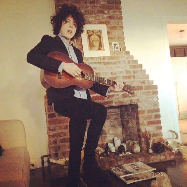 Another pic by @tamzinbrown a day when I was leaving for tour. #feelingJohnnyCash