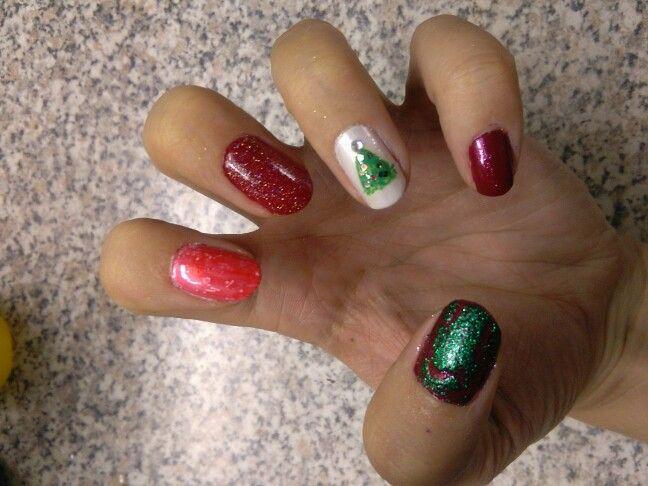 Christmas nailart #manimonday #nailart #christmas