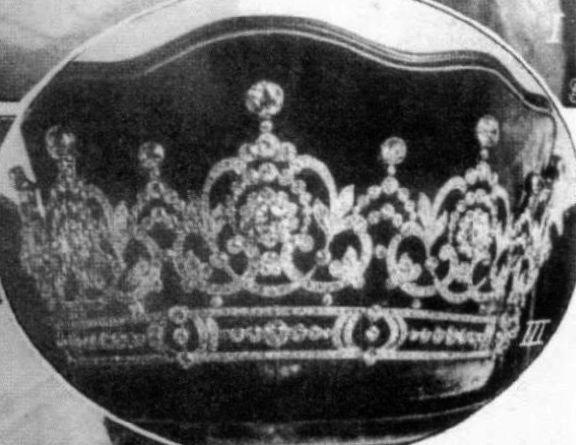 تيجان ملكية  امبراطورية فاخرة 44786676f7591fc52f2ff55370776774