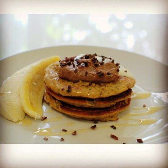 Clean protein pancakes with cacao cashew cream