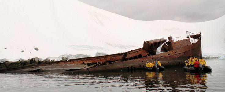 Governoren, a shipwreck in Antarctica
