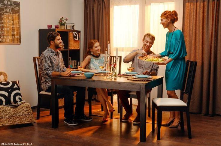 Pregătește rapid masa și invită-ți prietenii la o cină surpriză. #gesturimici  Masa BJURSTA are un #pretmaimic în #CatalogulIKEA2016 Preț vechi: 539 lei Preț nou: 479 lei www.IKEA.ro/masa_BJURSTA