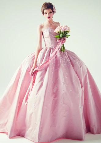 KEITA MARUYAMA(ケイタマルヤマ) 青山 ピンクのさくらの刺繡ドレス