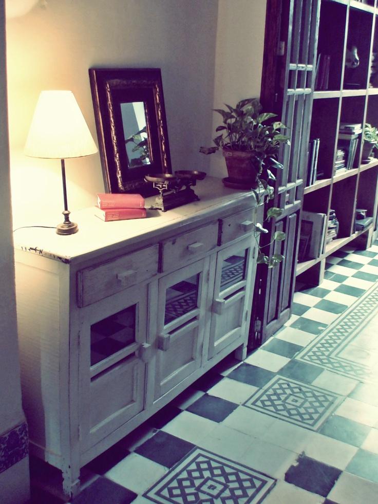 Restauración y Transformación de mobiliario reciclado.