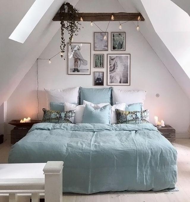 Love this beautiful attic bedroom ♡