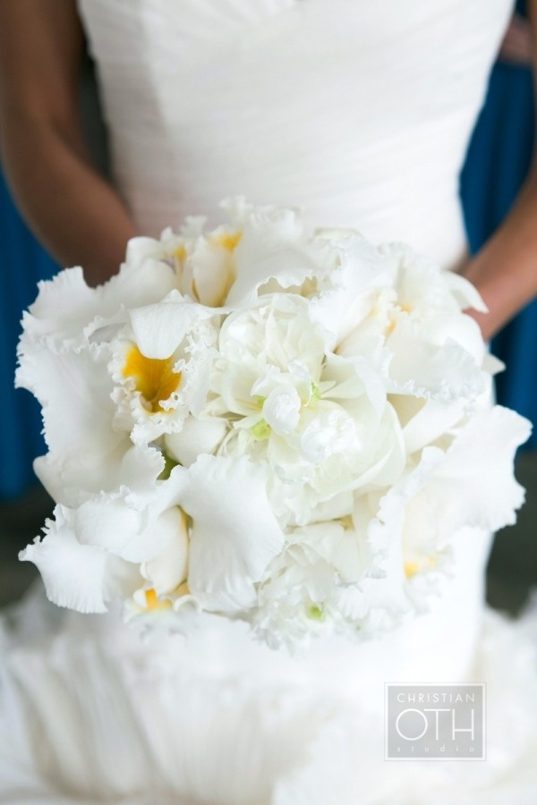 New take on fluffy white bouquet