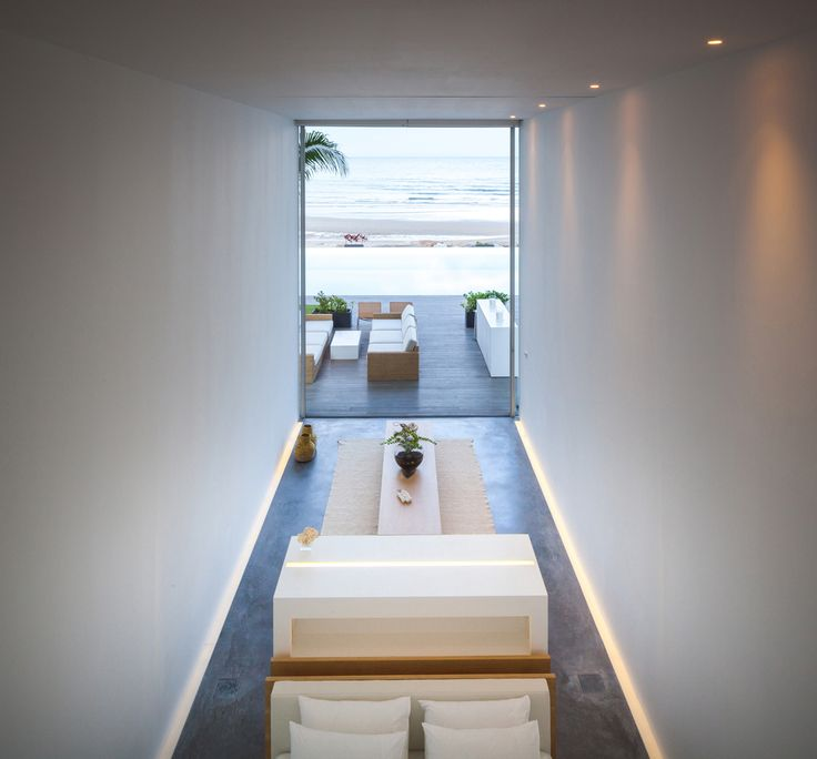 Gallery of Seaside Villa / Shinichi Ogawa & Associates - 4