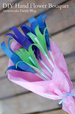 This is so cute! Mother's Day Craft Hand Flower Bouquet- Formul -