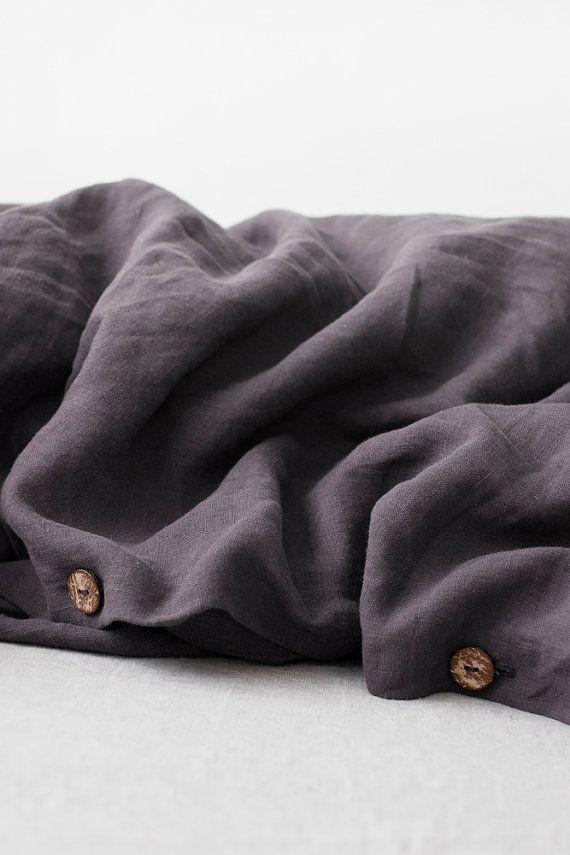 Ein luxuriöses, natürlich ist atmungsaktive Bettwäsche zeitlos in jedes Schlafzimmer zu arbeiten. Hochwertige Bettwäsche Bettbezug bietet das ganze Jahr über Komfort, Eleganz und Einfachheit. Reine Leinen vorgewaschen in den Produktionsprozess für extra weich.  Bettwäsche Bettbezug ist perfekt für einen guten Schlaf: antiallergische, widerstandsfähig gegen Pilze, kühlt im Sommer und wärmt im Winter. In kühles Wetter Leinen Bettwäsche halten warm Sie, während im heißen Sommer es trocken und…