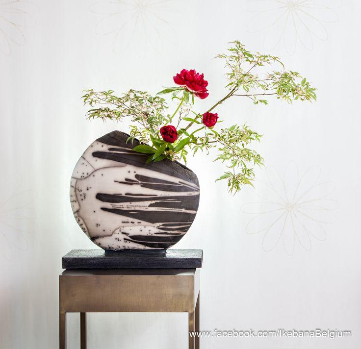 Floral Art: Ilse Beunen Photography: Ben Huybrechts Ceramics: Christiane Van Dijck