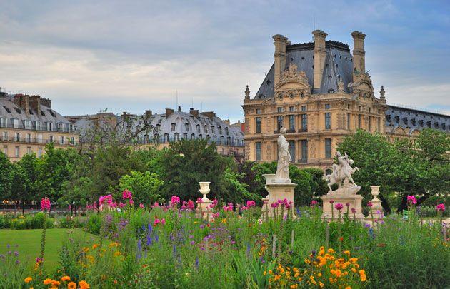 Jardin des Tuileries - Le Jardin des Tuileries tient son nom des fabriques de tuiles qui se tenaient à l'endroit où la reine Catherine de Médicis a...