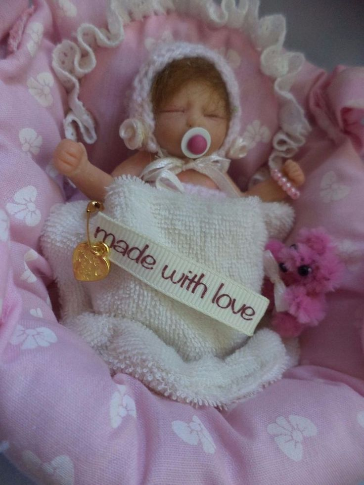 OOAK Teeny Tiny Babes mini clay BabyGirl & Carry Cot Hand made unique design