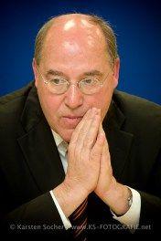 """Pressefotograf Kassel   Gregor Gysi - Kommunalwahl Hessen 2011 """"Die Linke"""" Hessen 2011 """"Die Linke"""" http://blog.ks-fotografie.net/pressefotografie/gregor-gysi/"""