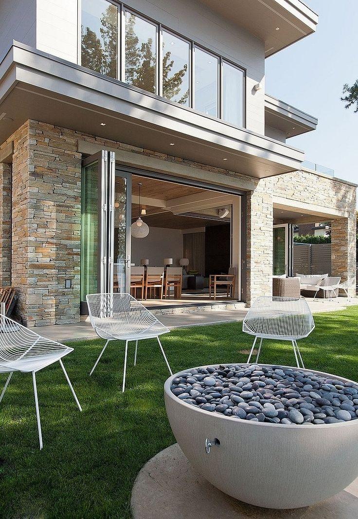 Impressive Two-storey Vacation Home on the Shores of Lake Okanagan - Robert Bailey Interiors / British Columbia, Canada