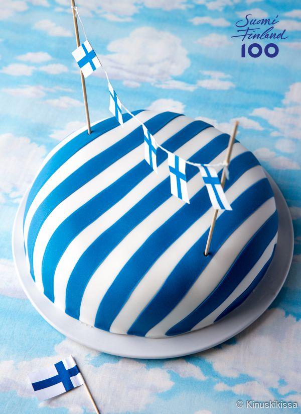 Suomen itsenäisyyden 100-vuotisjuhlavuoden kunniaksi kehitin kakkureseptin, jossa on meille suomalaisille rakkaita makuja. Kotoinen mustikka maistuu täytteessä, samoin pullataikinasta tuttu kardemumma.
