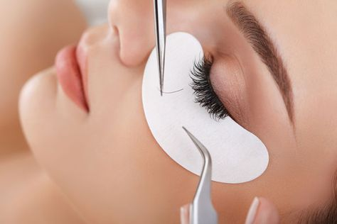 Permanent & Semi Permanent Eyelash Extensions: What's the Difference?