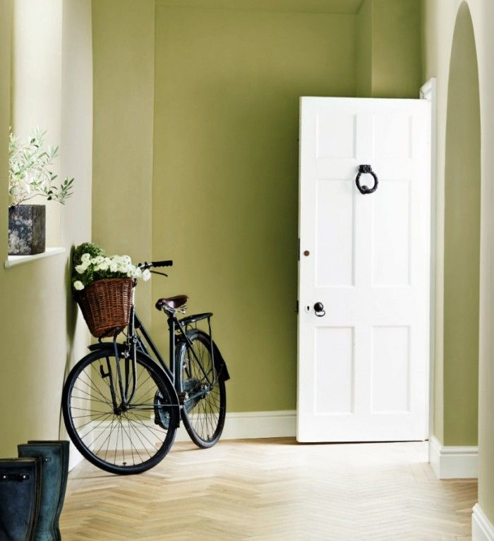 Fennel by Zoffany adds a gorgeous botanical feel to hallways for a fresh summery entrance to your home. The soothing colour looks great with light natural flooring and white woodwork to create an inviting first impression.
