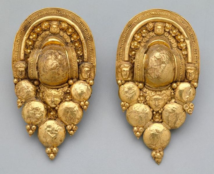 Etruscan Earrings -- Gold -- 4th Century BCE