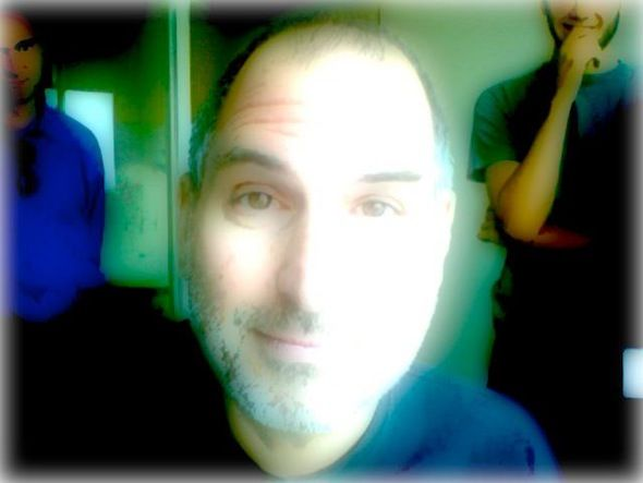 stevie goofing with Photo Booth glow☺