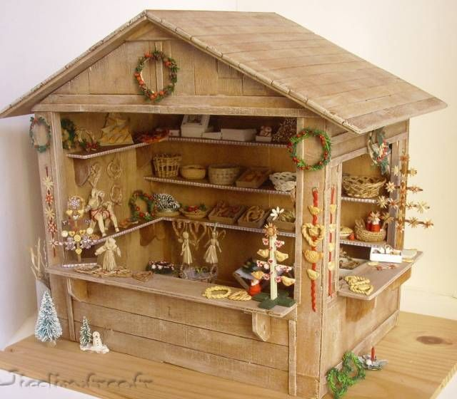 Miniatures et maisons de poupees : Christmas stall with lots of photographs showing how some of the pieces were put together