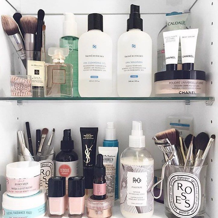 When you get to the end of your candle wash it out and use as a makeup brush holder or lip gloss container!
