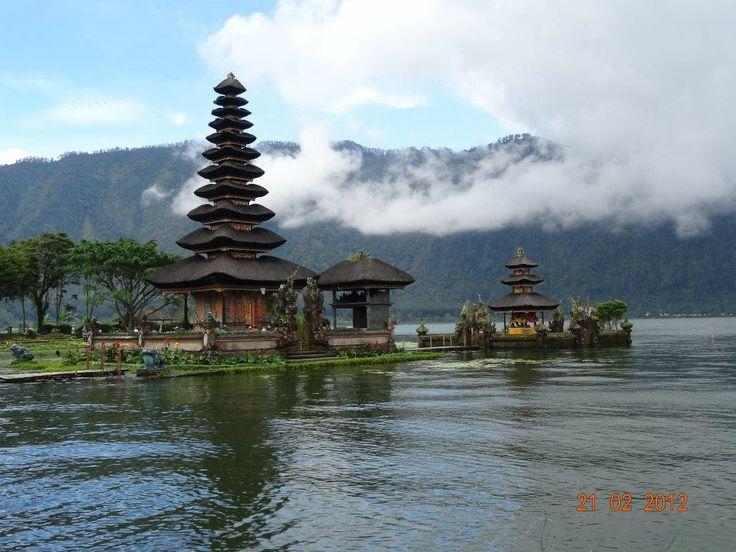Świątynia Pura Ulun #Bali #Indonezja #Indonesia Magdalena Precz pracownik działu Call Center