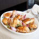 Un secondo alternativo. Il pollo alla birra è un piatto che aggiunge al gusto classico della carne il sapore della birra. La ricetta di Sale&Pepe.