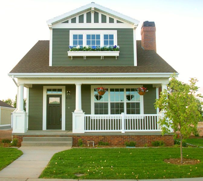 Exterior Paint Color Green And Off White But White Or Wooden Door And Wood Hotwire Railing