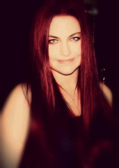 Amy Lee red haired!