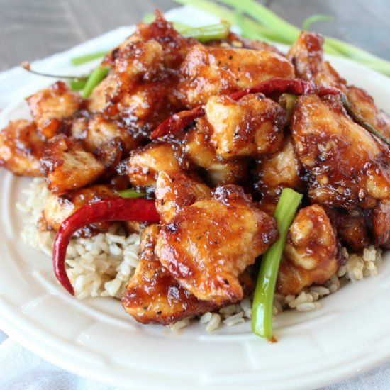 This gluten free recipe for General Tso's Chicken is made in only 15 minutes, and even better than Chinese takeout!