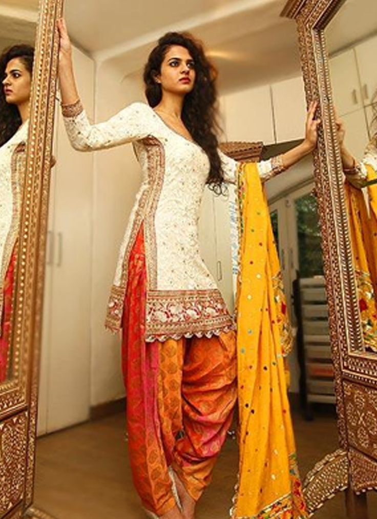 email sajsacouture@gmail.com for this stunning salwar suit!