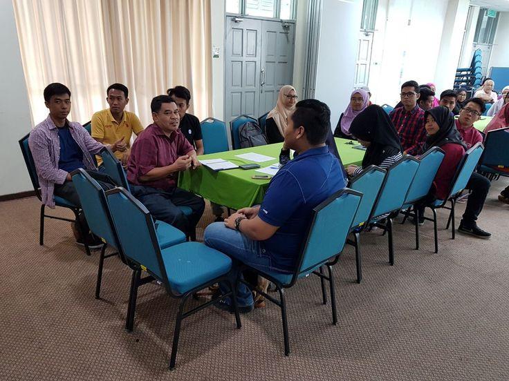 DURP Academic Advisors Meeting with Advisees   Photos