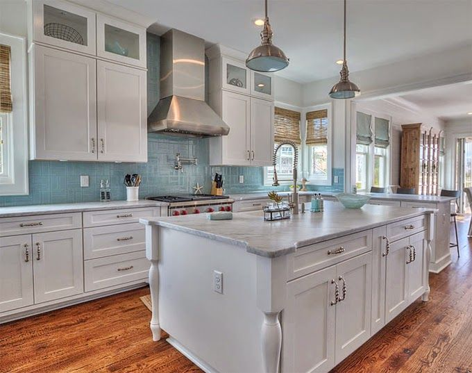 House Of Turquoise Chi Mar Construction Love The Combination Wood Floors White Cabinets And Backsplash