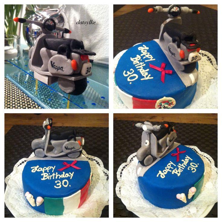 Fertiger Kuchen Thema: 30. Geburtstag, Italienerin, mag die italienische Flagge, Pizza, Eis & liebt & fährt Vespa.