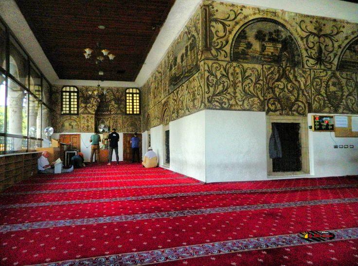 Xhamia e Et'hem Beut Moschee-Leseraum,Tirana,Albania, Nikon Coolpix L310, 4.5mm, 1/800s, ISO400, f/3.1,-1.3ev, HDR photography, 201607061410