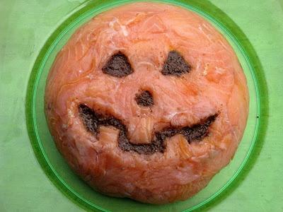 Ricotta and Smoked Salmon Jack-o'-Lantern - Ricotta ve Somon Fümeli Jack-o'-Lantern - Sformato di Ricotta e Salmone Fatto Come  Jack-o'-Lantern