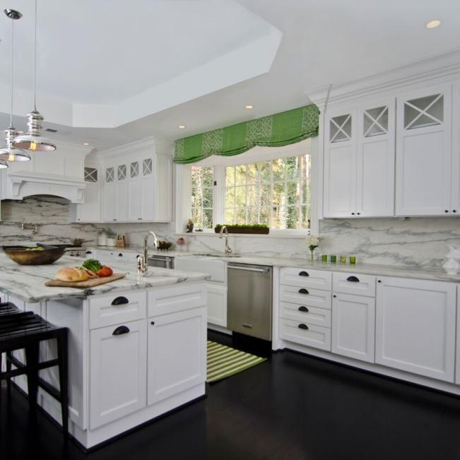 Crisp Contrast In Modern Kitchen Hgtv Kitchen Design Kitchen Design Modern White Modern Kitchen Design