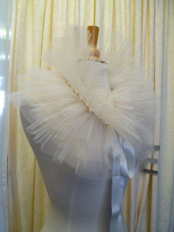 Théâtre de Paris Tulle Bridal Wedding Wrap stole by DelltonCouture, £45.00