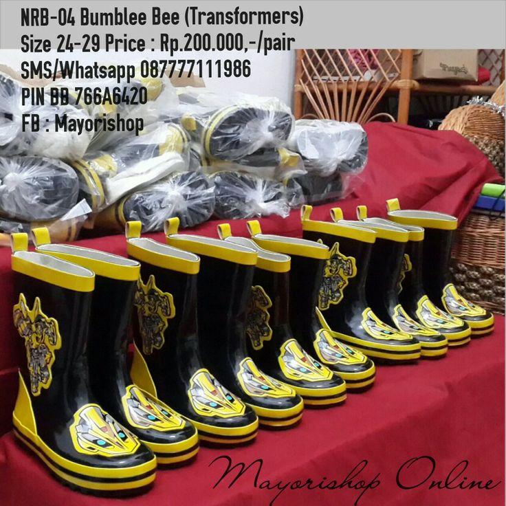 REAL PIC Kids Rain Boots KODE : NRB-04 Bumble Bee (Transformer) PRICE : Rp.200.000,- AVAILABLE SIZE : - Size 24 (15,5cm) - Size 25 (16cm) - Size 26 (17cm) - Size 27 (17,5cm) - Size 28 (18cm) - Size 29 (18,5cm) Material : Rubber/Karet lentur tebal elastis, bagian dalam ada lapisan kain, ada lapisan bulu yg bisa dilepas pasang dan di cuci, dapat sol karet tebal tambahan.  Packing plastik. No Box.  FOR ORDER : SMS/Whatsapp 087777111986 PIN BB 766a6420 FB : Mayorishop  #pusat #sepatu #boots…