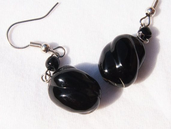 Black coral earring (Elen)