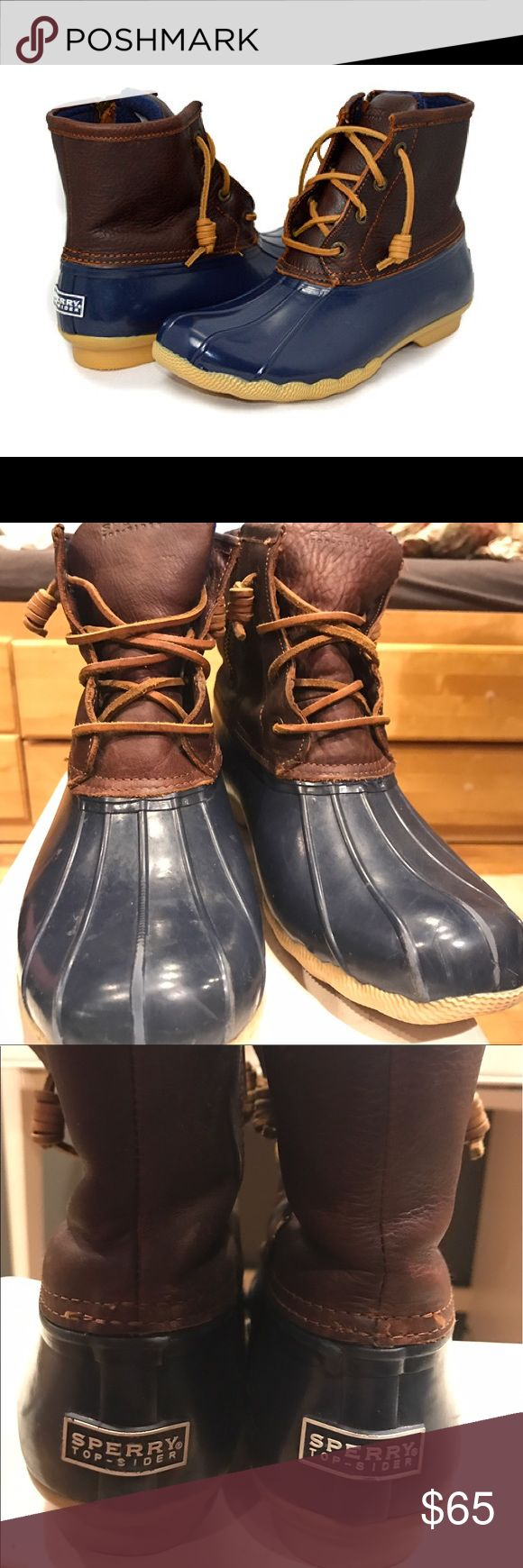 Sperry women's navy duck boots size 10 Lightly used, but broken in. Warm, water resistant , and comfy. Clean and no scent whatsoever Sperry Top-Sider Shoes Winter & Rain Boots