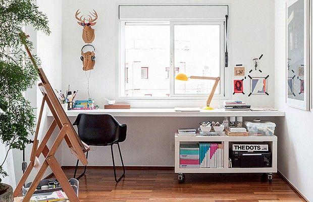 O escritório em casa precisa de muitos cuidados para que o trabalho funcione. Revelamos aqui cinco itens indispensáveis