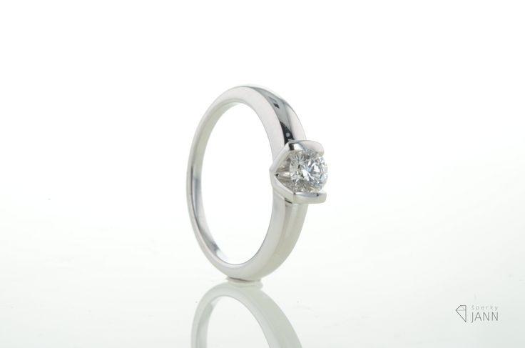 White Gold Ring with Diamond 0,30ct VS/D