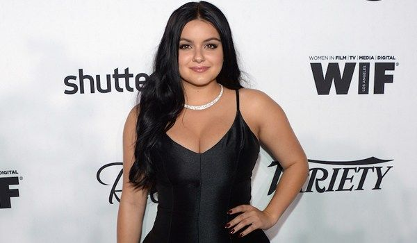Ariel Winter In Hot Bikini, Boobs, Yoga Pants, Breast Reduction Post Surgery Scars, Reddit, Weight Loss, Diet Plan, Family Mother and BoyFriend