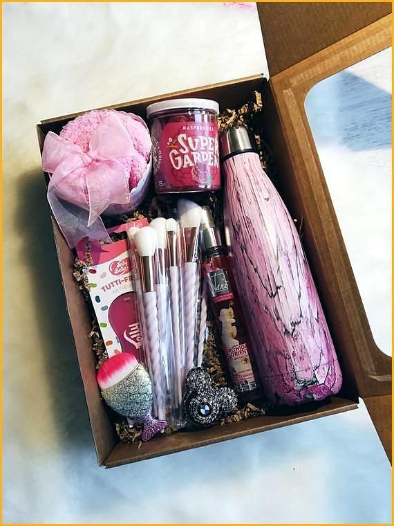 Manicure Nail Polish Christmas Gift Set Love The Presentation Diy Christmas Baskets Jar Gifts Christmas Baskets